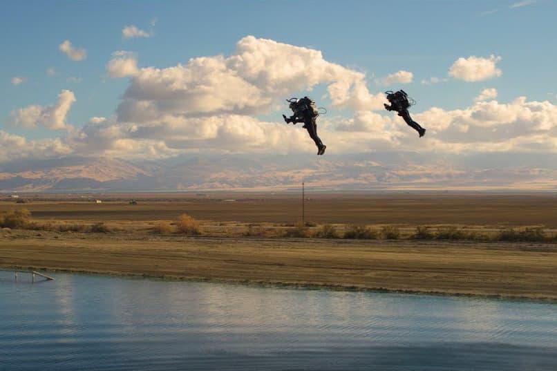 Jetpack Aviation предложил провести первые в мире гонки на джетпаках
