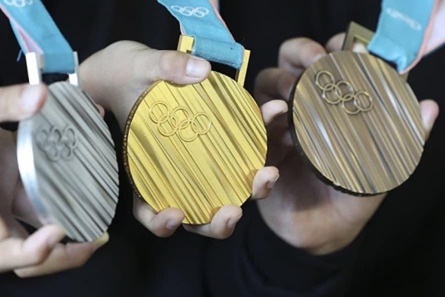 Yaponiyaliklar eski smartfonlardan olimpiyada medallarini yaratishadi