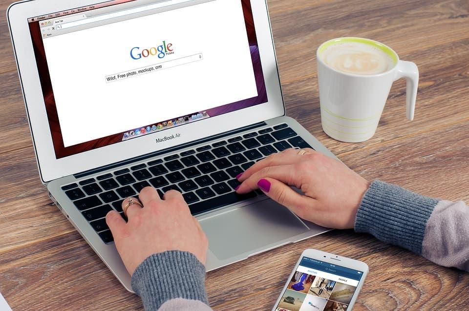 """""""Google"""" darhol Chrome brauzerni yangilashni talab qildi"""