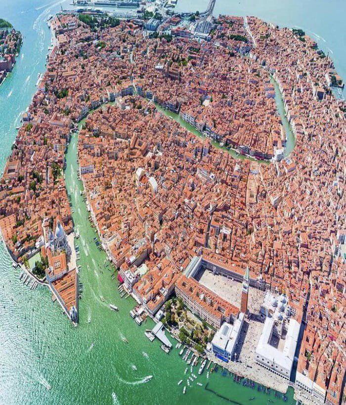 Venetsiyaning yuqoridan ko'rinishi