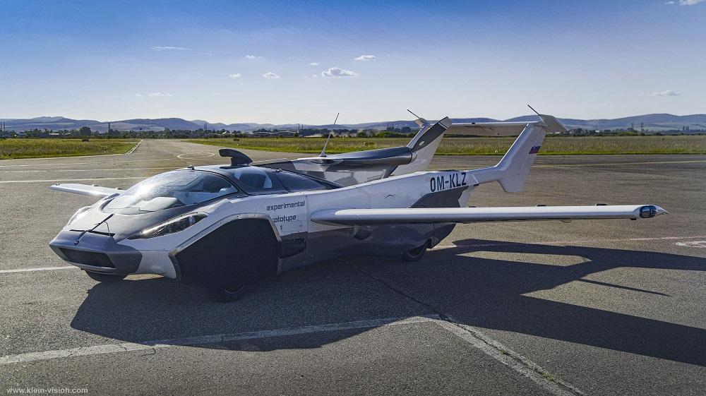 AirCar uchuvchi avtomobilining ilk parvozi namoyish etildi (video)